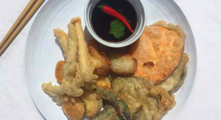 Vegetable Tempura With Ginger Garlic Dipping Sauce